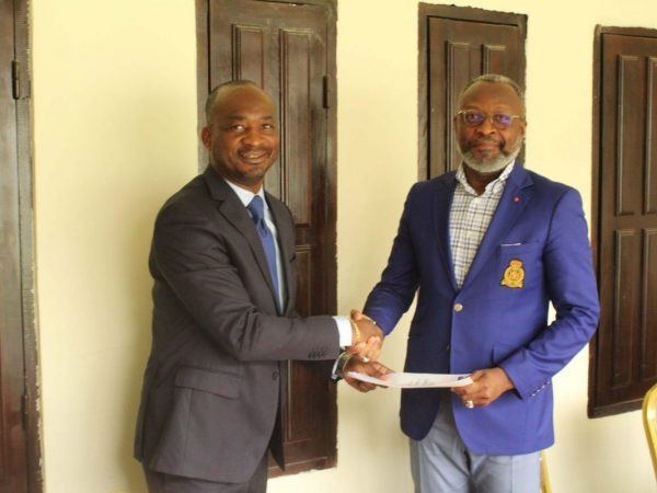 Signature de convention entre BACID SA et le SYNADEMC-CI
